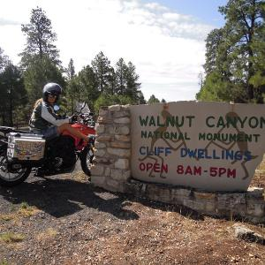 """Get your kicks on """"Route 66"""" Walnut Canyon国定公園"""