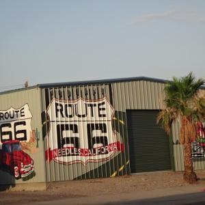 "Get your kicks on ""Route 66"" カリフォルニア州、ニードルズ"