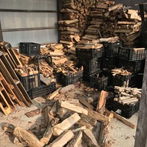 薪をぶん投げると、ゴミが落ちる(当たり前か!笑)