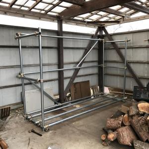小屋の薪棚完成