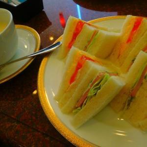 さあて!活動開始 サンドウィッチの視察デートは コーヒーのワールド白川本店(^^♪