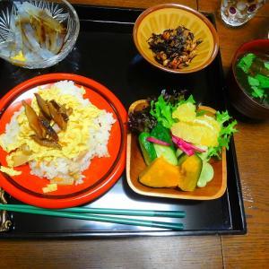 """""""筍寿司"""" 賑やかに娘と過ごすこの幸せ 夕飯は 合作でしたね"""