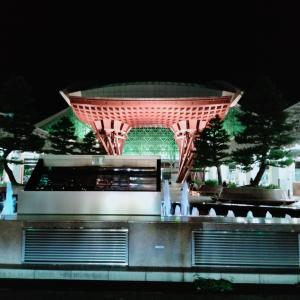 福井県河野で、泳ぎ、夜には、金沢に到着
