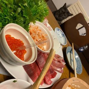 昨夜のゴハンはちょっと贅沢手巻き寿司。