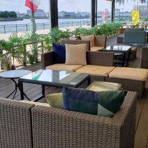 海の見えるリゾートレストラン