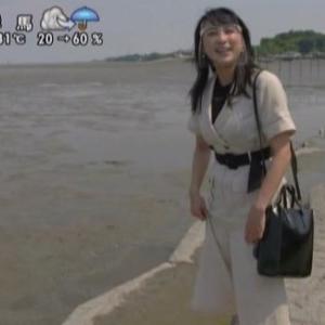 【遠くへ行きたい】浅田舞干潟で泥んこ!ボディラインクッキリのウェアでムチムチ横乳&尻【フィギュアスケーター】