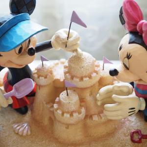 ミッキーとミニーの砂遊び