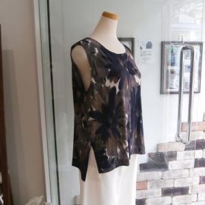 残り布のインナーと紫陽花