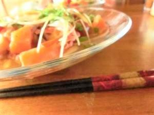 【箸が止まらない。】胡麻ダレかけて・海鮮サラダうどん♪