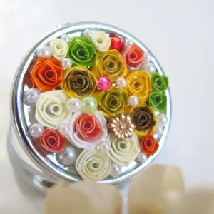 青森ロザフィの春色の小物入れは贈り物に最適な、植物の瑞々しさが感じられるケース
