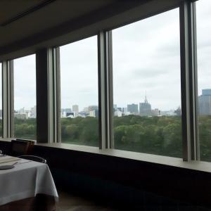ロケーションと味とサービスが揃ったレストラン