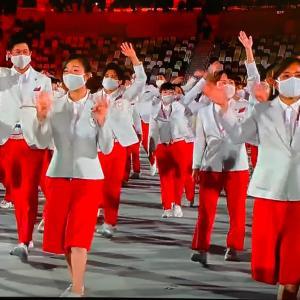 東京五輪開会式での印象深い選手団衣装