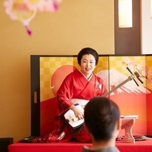 お江戸浅草で、浅草が舞台の曲を聞けますよ。