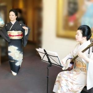 年の瀬を、三味線や琵琶の音色を聞いて楽しめます。