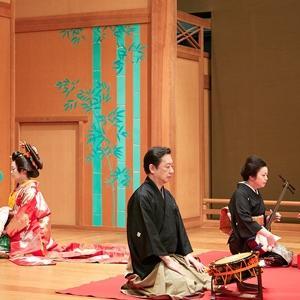 三味線や琵琶。伝統的な日本の音楽に親近感を感じられました。