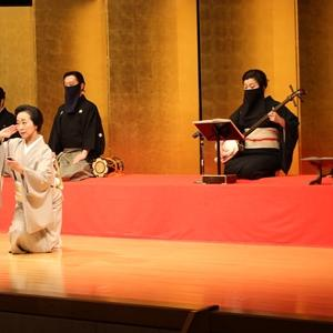 日本舞踊のお二人。それぞれの美しさと魅力が際立ち、とても良いプログラムでした。