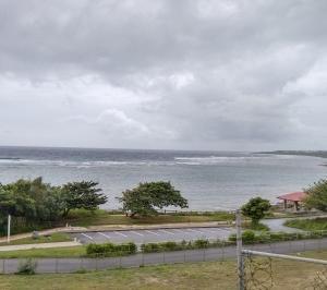 嵐の前の静けさ ~糸満近海ガイド付きボートダイビング(ファンダイビング)~