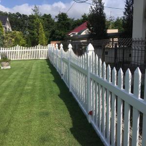 バイナルフェンス洗浄と芝刈り♪