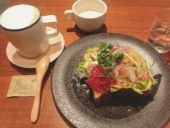 御所の近くにあるおしゃれなカフェでランチ♡(>u