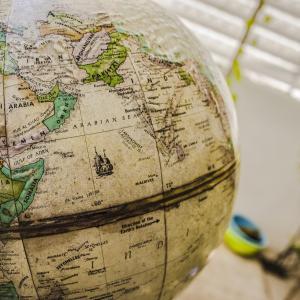 9/17時点での世界各国のPER、PBRをiシェアーズのETF使ってまとめてみました