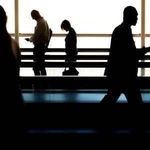 コロナの暗い話題が多く、仕事にも影響が及ぶとなるとかなりきついものがある