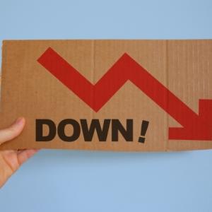 株価が急落してセールインメイか?ということで、セクター別や配当系がどうなのか調べてみた