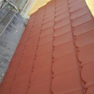 階段他の塗装終了の報告 変な色だよ