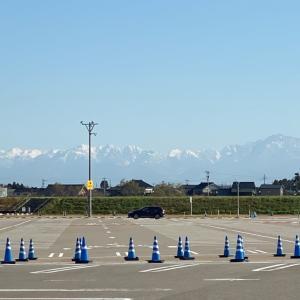 立山連峰を眺める