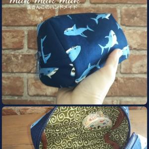 マノンポーチM サメ