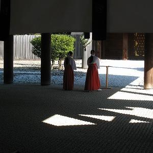 森閑とした熱田神宮