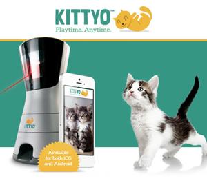 レーザーポインタを使って留守中のネコを大興奮させつつ安否確認もできるデバイス「Kittyo」( GIGAZINE)