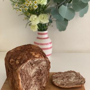 HBでマーブル食パン