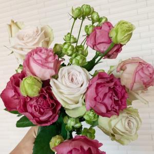 スーパーのお花屋さんの切り花