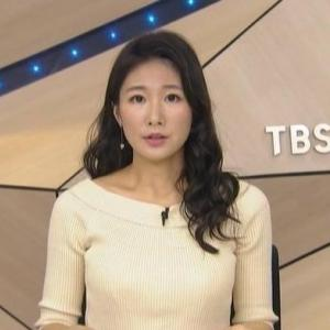 【TBSニュース】島津久美子キャスターのムチムチクビレニットおじぎでテーブルのせ【癒し系】