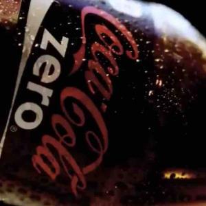 「ゼロコーラは添加物たっぷり!情弱の買う飲み物!早死する!」←これ