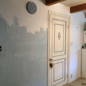 リビングの壁、塗っちゃおう 1