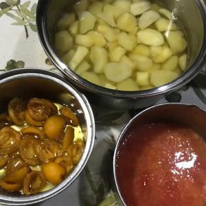 フルーツを煮る