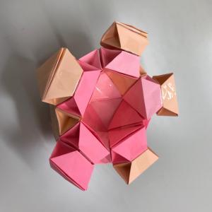 立体図形問題に強い子供が折り紙でたくさん育っております!