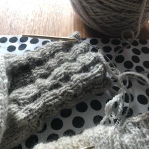 *Purl Sohoの糸で編むセーターOldies編みあがり、只今乾燥中*