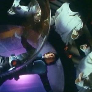 改造手術とは、フィクションにおいて人間を含む生物に普通でない手術をすることを指しますが、今回はガーデニングの鉢にショッカー並みの改造をしてみたんだ - 樹脂製四号鉢(百均園芸用品)