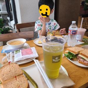 [息子6歳6ヶ月]アメリカのbakeryとは☆お店でサンドイッチを食べてみた☆航空博物館へ行ってみたらば