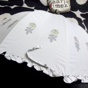 ★marimekko Vihkiruusu の可愛い日傘を作りました( *´ ︶ `* )