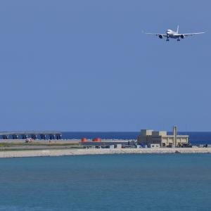 南国の空港は目前に  A350  日本航空(JL)