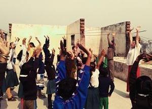 インドバラナシ「マザーベイビースクール」たくさんの子どもたちに学びの場を