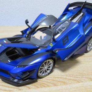 トミカプレゼンツ ブラーゴ 1/18 フェラーリ FXXK EVO