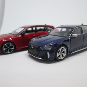MINI GT 194 1/64 アウディ RS6 アバント カーボンブラックエディション タンゴレッド