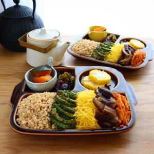 夏の彩り5色丼レシピ / プレートとお弁当