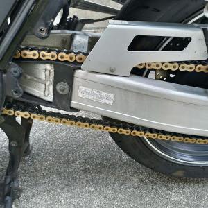 チェーンブラシを使ってバイクのチェーンを掃除してみた