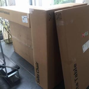 中庭にソファーの組立…大阪・寝屋川市の遺品整理士/便利屋銀さん