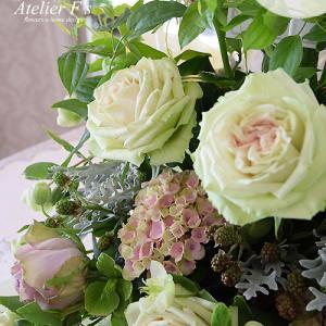 お供えの花贈りは生花でもプリザーブドフラワーでも承っております【アトリエフィーズ西宮市】